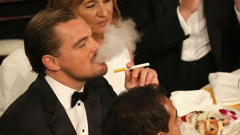Image of E-cigs make their appearance at the golden globes